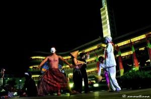 Pamtomimer Wanggi saat performance di Jalan Asia Afrika (FB)